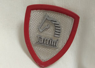 Cina Custom Rubber Logo Patches Silicone Badge Untuk Outdoor Wear / Shoes / Bags pemasok
